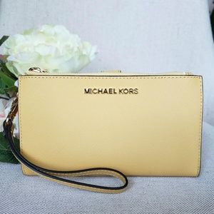 NWT Michael Kors Double zip Wristlet wallet yellow